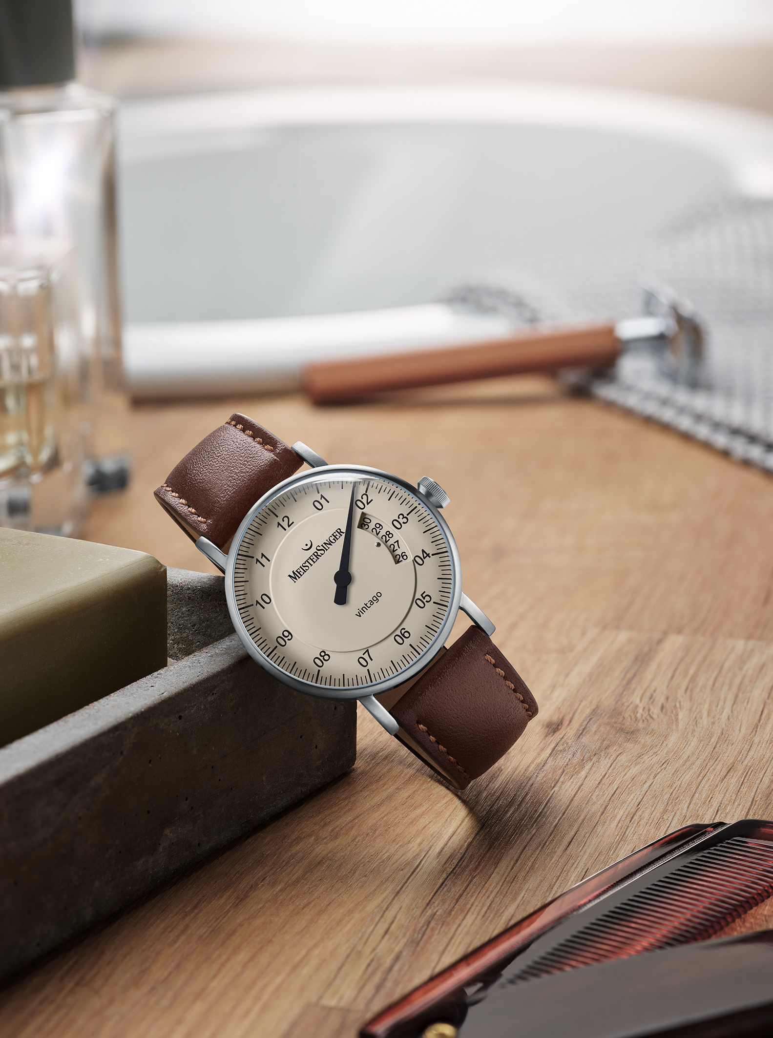 MEISTERSINGER PRESENTS THE VINTAGO: MINIMALISM IN DESIGN AND TIME DISPLAY